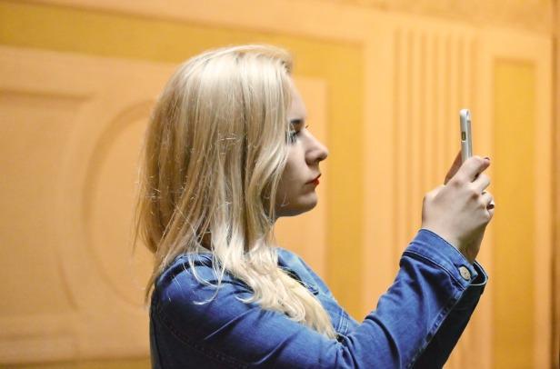 blonde-1503202_1920