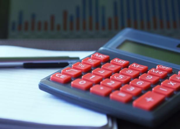 calculator-723917_1920