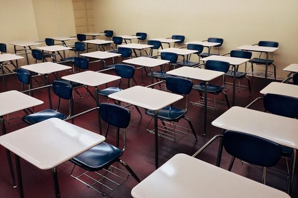 classroom-1910012_1920